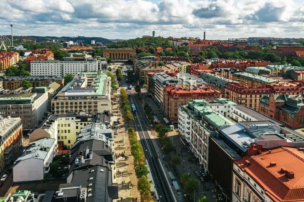 Avenyn i Göteborg och sträcker sig hela vägen till poseidon.
